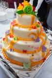 Smaklig bröllopstårta Arkivbilder