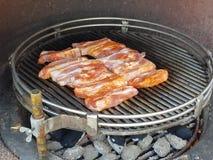 Smaklig grillfest för grisköttkött Fotografering för Bildbyråer