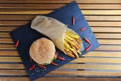 smaklig hamburgare royaltyfri fotografi