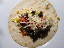 Smaklig hemlagad kebab med grönsaker och fegt kött second Arkivbild