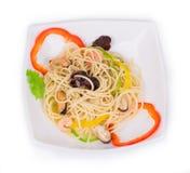 Smaklig italiensk pasta med skaldjur Royaltyfri Foto