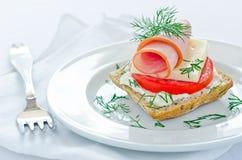Smaklig mini- skinksmörgås Royaltyfri Foto