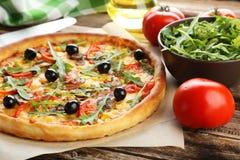 smaklig ny pizza Arkivfoton