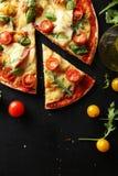 smaklig ny pizza Fotografering för Bildbyråer