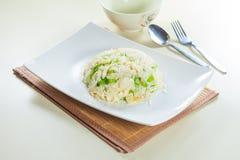 Smaklig och bra kokkonst eller drink som tar vid prålig belysning i restaurang Arkivbilder