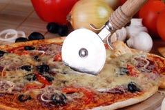 smaklig pizza royaltyfria foton