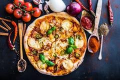 smaklig pizza Royaltyfria Bilder
