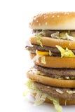 smaklig stor hamburgare Arkivbild