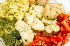 Smaklig sund monkfish med grönsaker royaltyfri fotografi