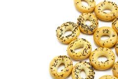 Smakliga autentiska nytt bakade brödbaglar Arkivbild