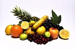 Smakliga frukter Organisk mat bär fruktt naturligt Arkivbilder