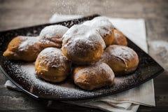 Smakliga läckra hem- gjorda donuts Fotografering för Bildbyråer