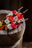 Smakliga olika kalla mellanmål med nya ingredienser för mellanmål Royaltyfria Bilder