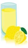Smakligt exponeringsglas av lemonad Arkivfoto