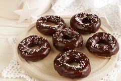 Smakowici donuts z czekoladową śmietanką Obrazy Stock