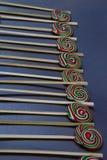 Smakowici kolorowi lizaki zdjęcia stock