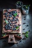 Smakowici opłatki robić świeże jagody i czekolada zdjęcia royalty free