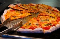 Smakowita pizzy porcja fotografia royalty free