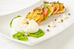 Smakowity śniadanie - kłusujący jajko obraz stock