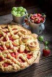 Smakowity i aromatyczny tarta robić świeże jagodowe owoc obraz stock