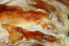 Smakowity i wyśmienicie pieczonego kurczaka mięso obraz stock
