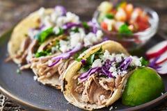Smakowity uliczny tacos zdjęcia stock