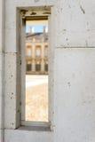 Smal gat in marmeren muur Royalty-vrije Stock Foto's
