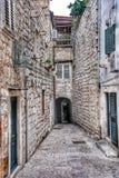 Smal gata i den gammala staden Dubrovnik, Kroatien Arkivbild