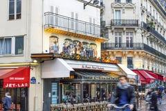 Smal gata i Paris Arkivbilder