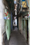 Smal gränd i Ho Chi Minh Arkivfoto