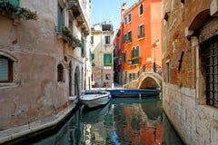 Smal kanal av Venedig royaltyfri bild