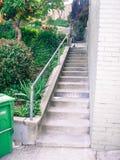 Smal stads- lång trappauppsättning Royaltyfria Foton