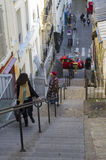Smal trappa i Montmartre, Paris, Frankrike. Arkivfoto