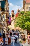 Smal turist- gata av den Korfu staden Arkivbilder