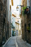 Smala gator av Agde royaltyfria bilder