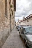 Smala gator av den gammala townen Arkivfoto