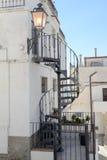 Smala gator av Vieste på Puglia, Italien Fotografering för Bildbyråer
