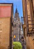 Smala gator Toledo Spain för domkyrkatornspiratorn Royaltyfri Fotografi
