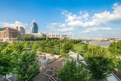 Smale Riverfront Park in Cincinnati, Ohio next to the John A Roe. Bling Suspension Bridge stock image