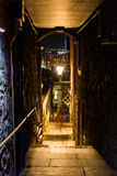 Small alleyway in Edinburgh, Scotland, at night Stock Photos