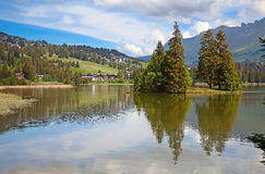 Small alpine lake Royalty Free Stock Photos