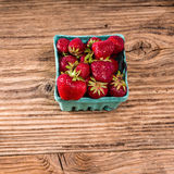 Small basket of fresh strawberries Royalty Free Stock Photography