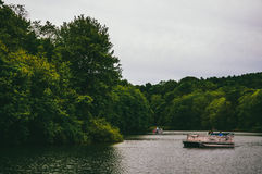 Small boats near the shore of a cove on Lake Marburg, in Codorus Royalty Free Stock Photos