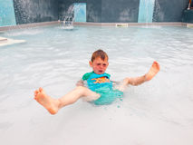 Small boy in swimming pool Stock Photography