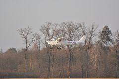 Small Cessna plane landing Royalty Free Stock Photos