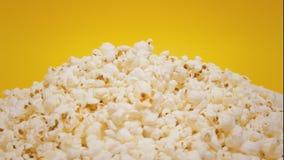 Turn popcorn hill yellow CU