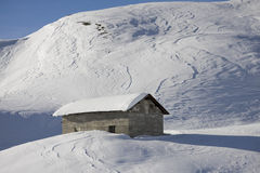 Small house in the snow Royalty Free Stock Images