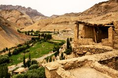 Small house in Zanskar. Beautiful landscape up to 3000 meters high stock photography