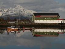 Small Lofoten's bay. The bay of Gravdal, Lofoten islands whith a small fish factory Stock Photography