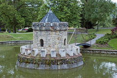 Free Small Tower In The Lake Royalty Free Stock Images - 28932619